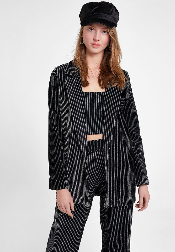 Siyah Çizgili Parlak Detaylı Ceket