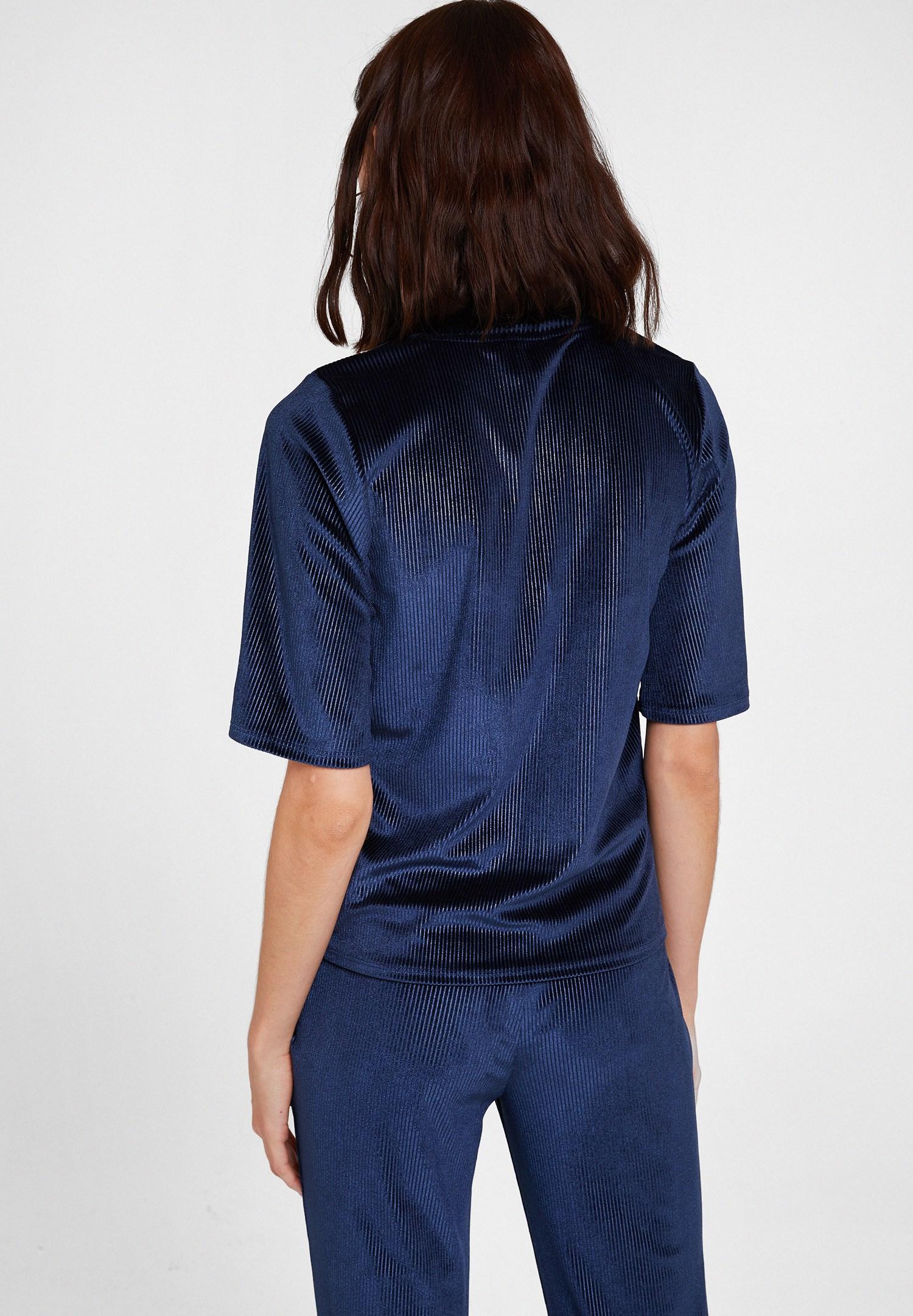 Bayan Lacivert Yaka Detaylı Kadife Bluz