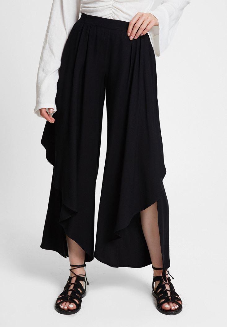 Siyah Paçası Volan Detaylı Pantolon