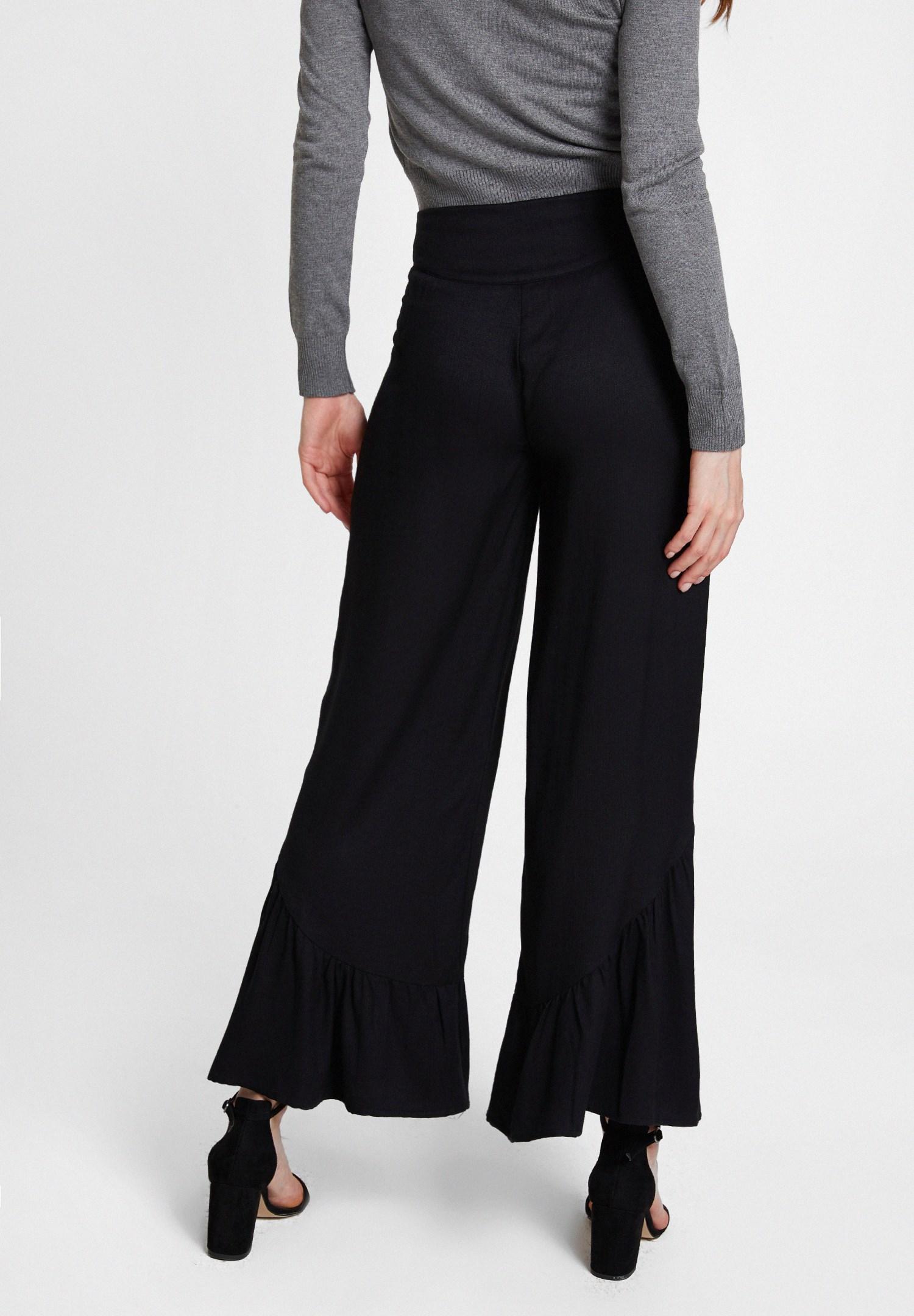 Bayan Siyah Fırfır Detaylı Bol Pantolon