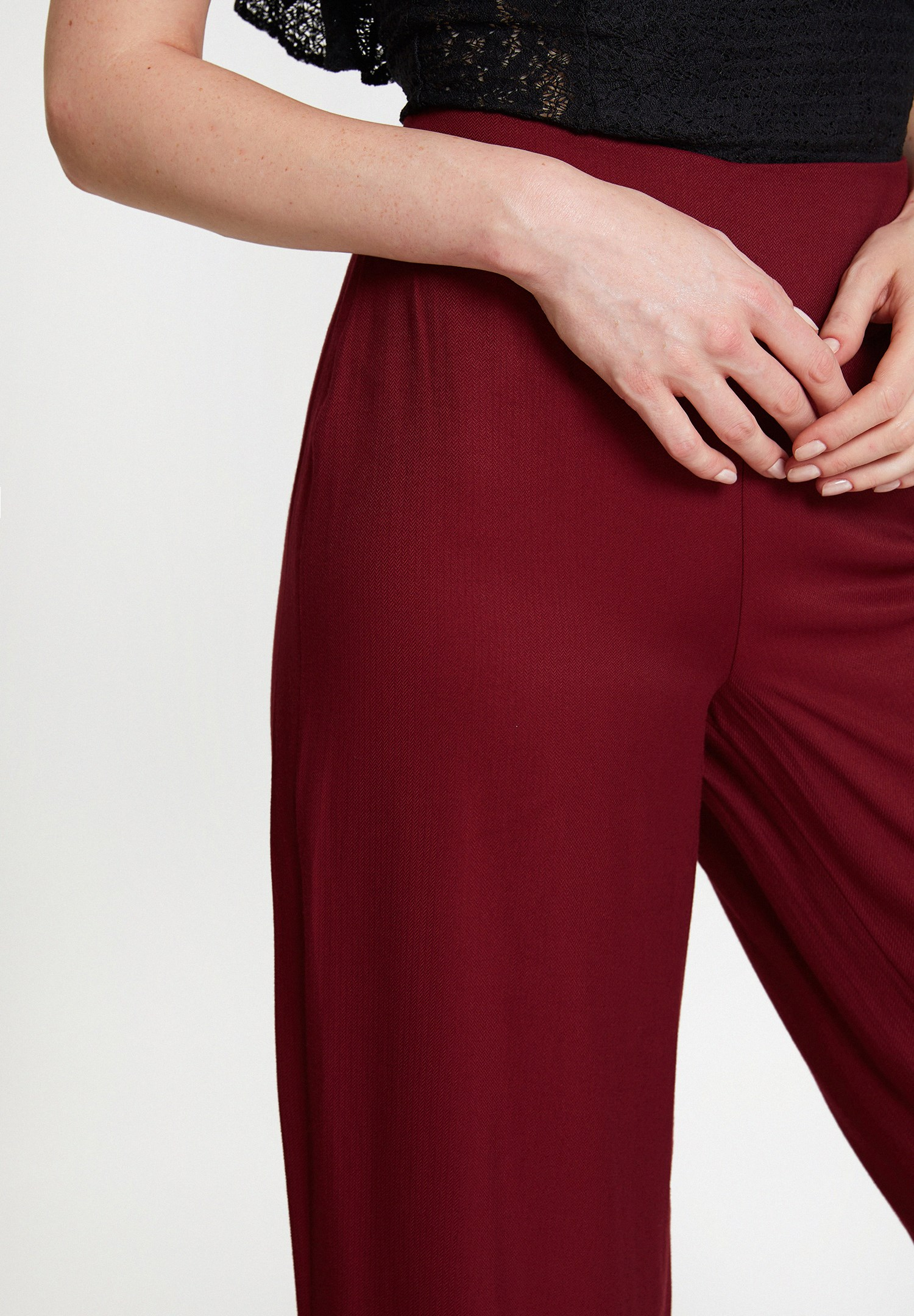 Bayan Bordo Fırfır Detaylı Bol Pantolon