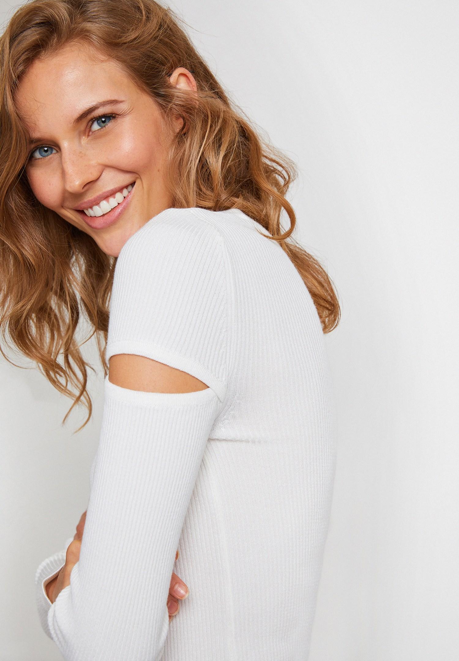 Women Cream Cut Out Detailed Knitwear
