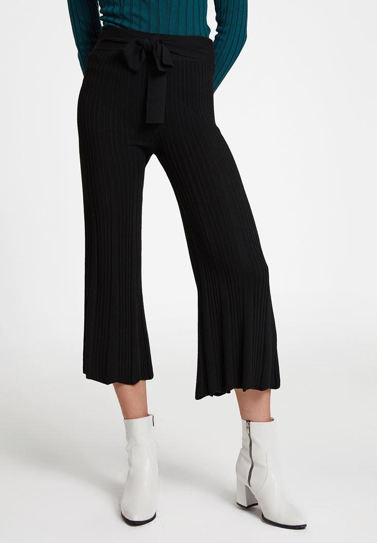 Siyah Beli Kemer Detaylı Pantolon