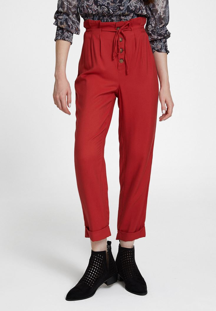 Kırmızı Beli Bağlamalı Düğme Detaylı Pantolon