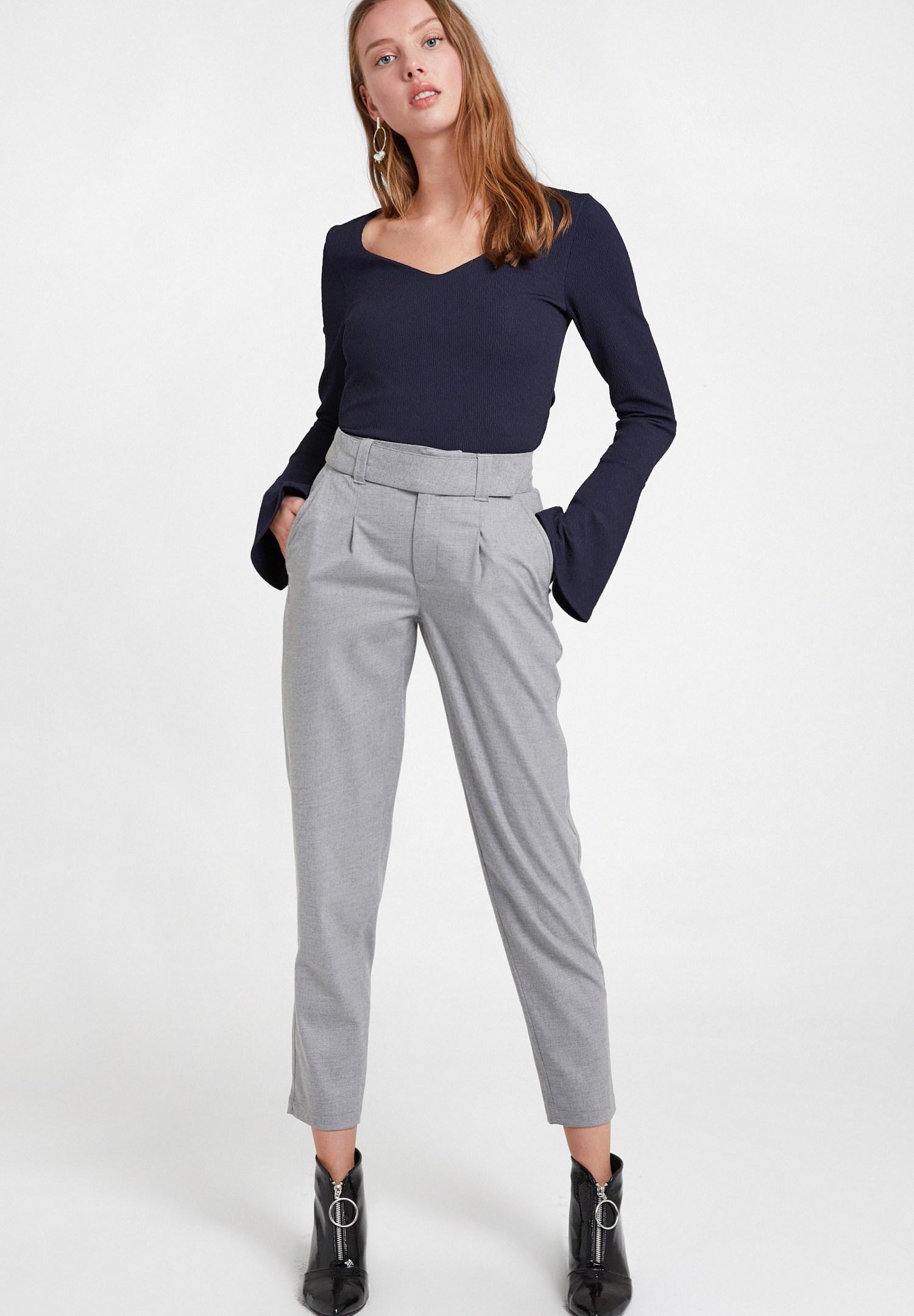 Bayan Gri Cepli Kemer Detaylı Pantolon