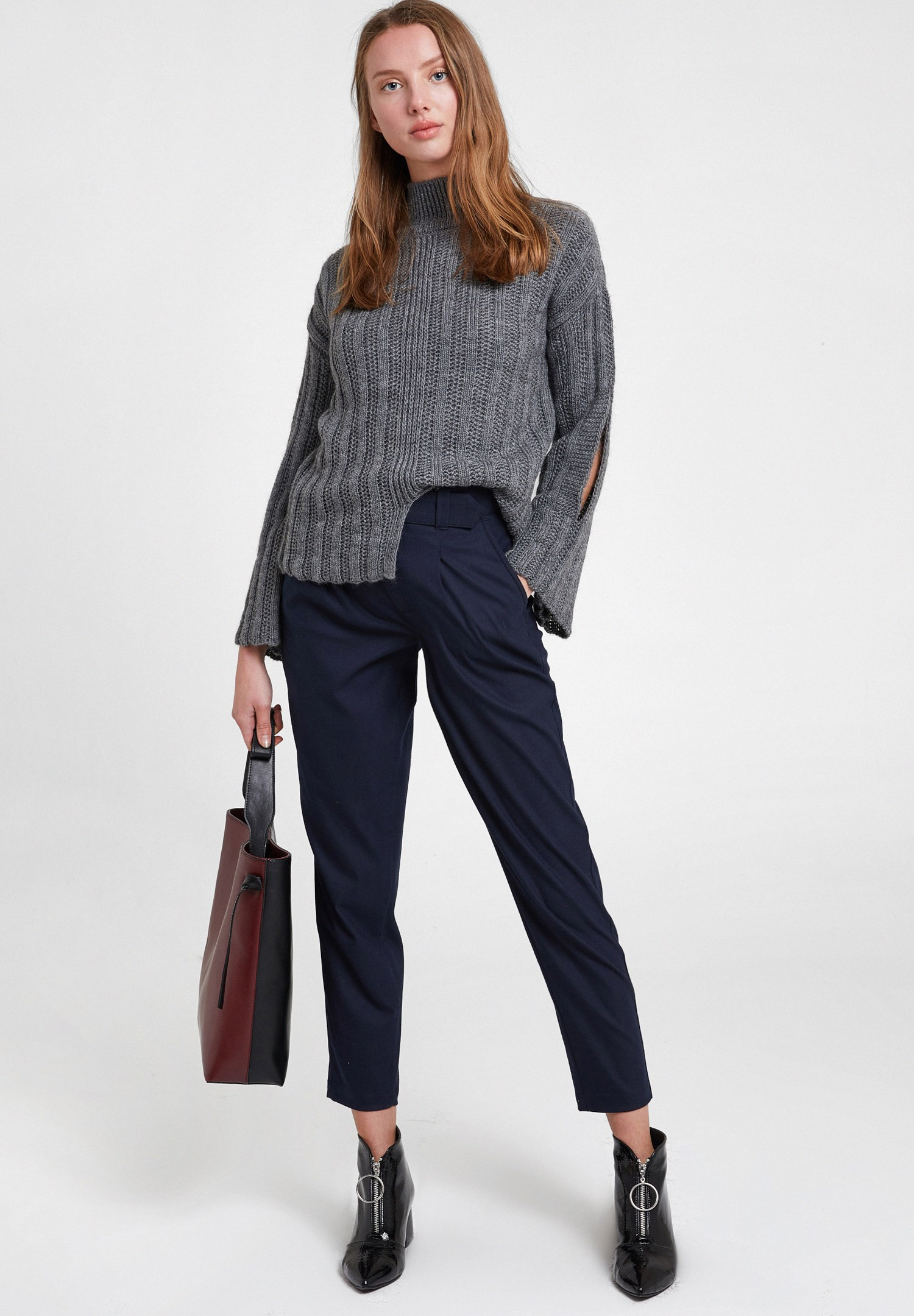 Women Navy Trousers with Pockets and Belt Detail