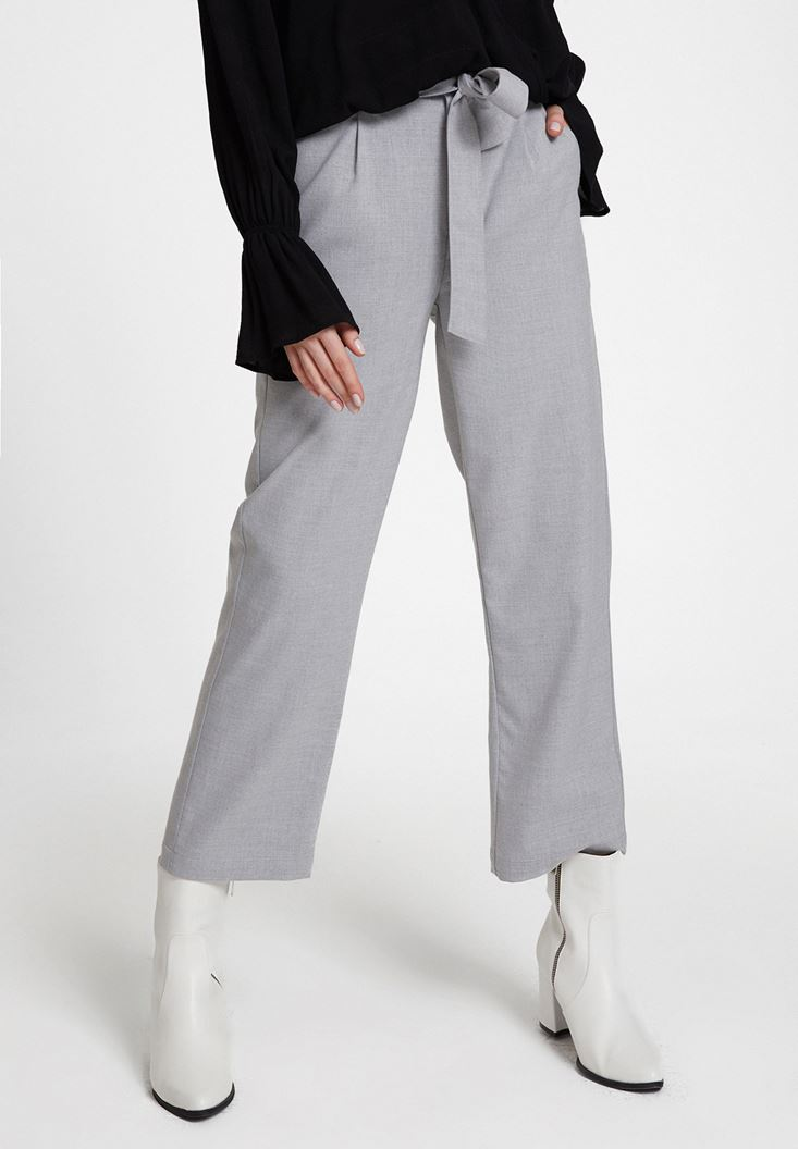 Gri Beli Bağlamalı Cep Detaylı Bol Pantolon