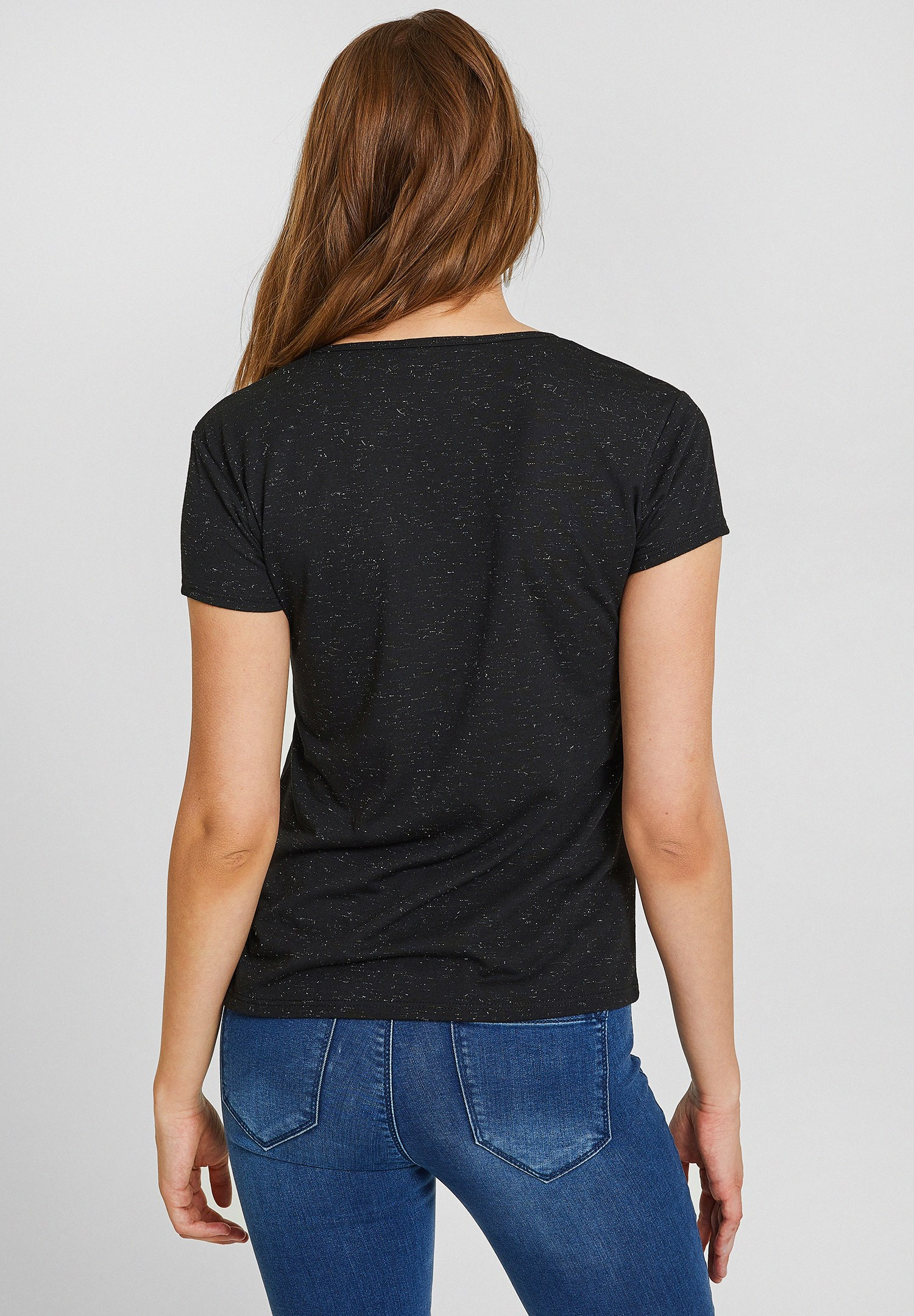 Bayan Siyah Biye Yakalı Simli Tişört