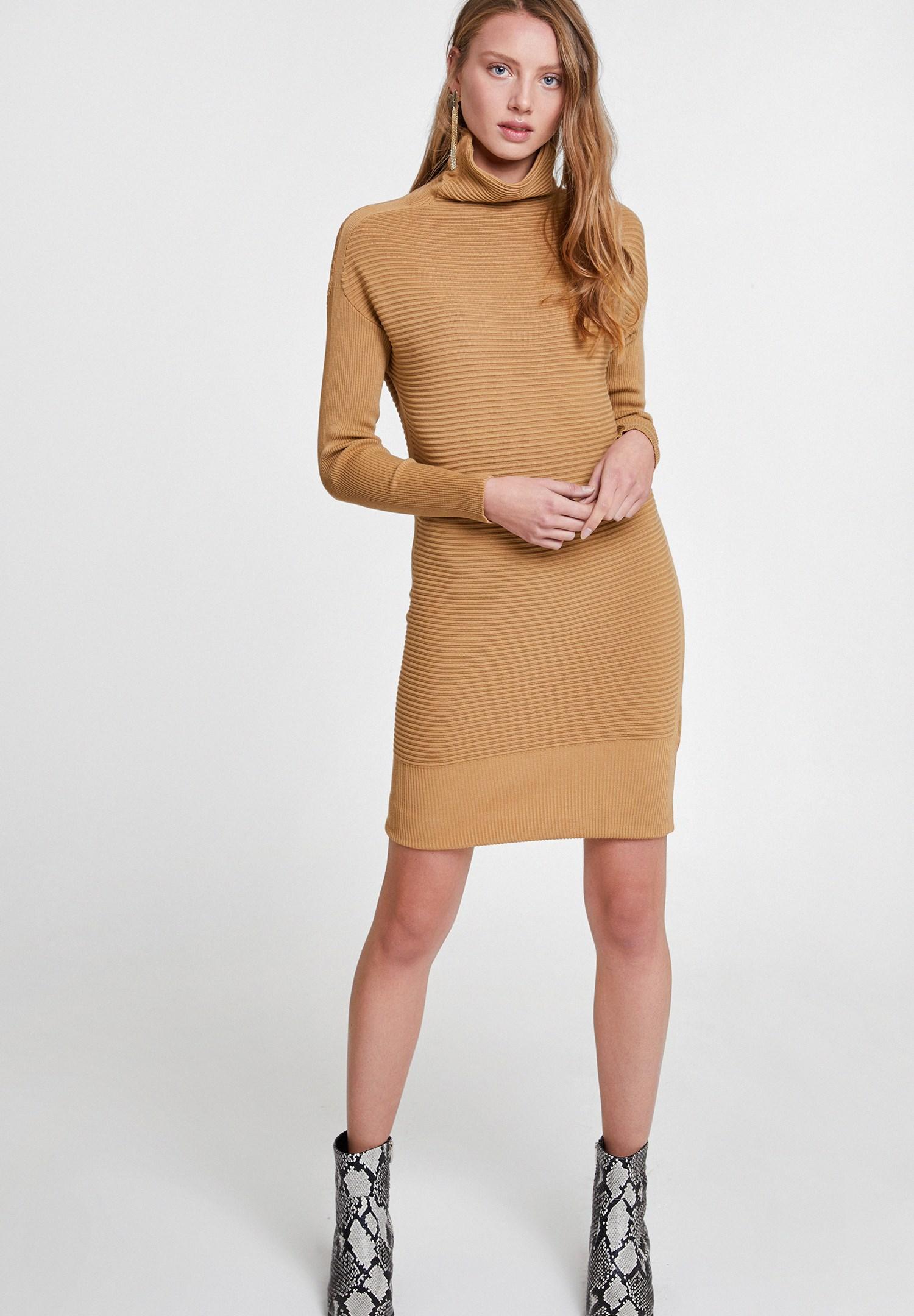 Bayan Kahverengi Yaka Detaylı Triko Elbise