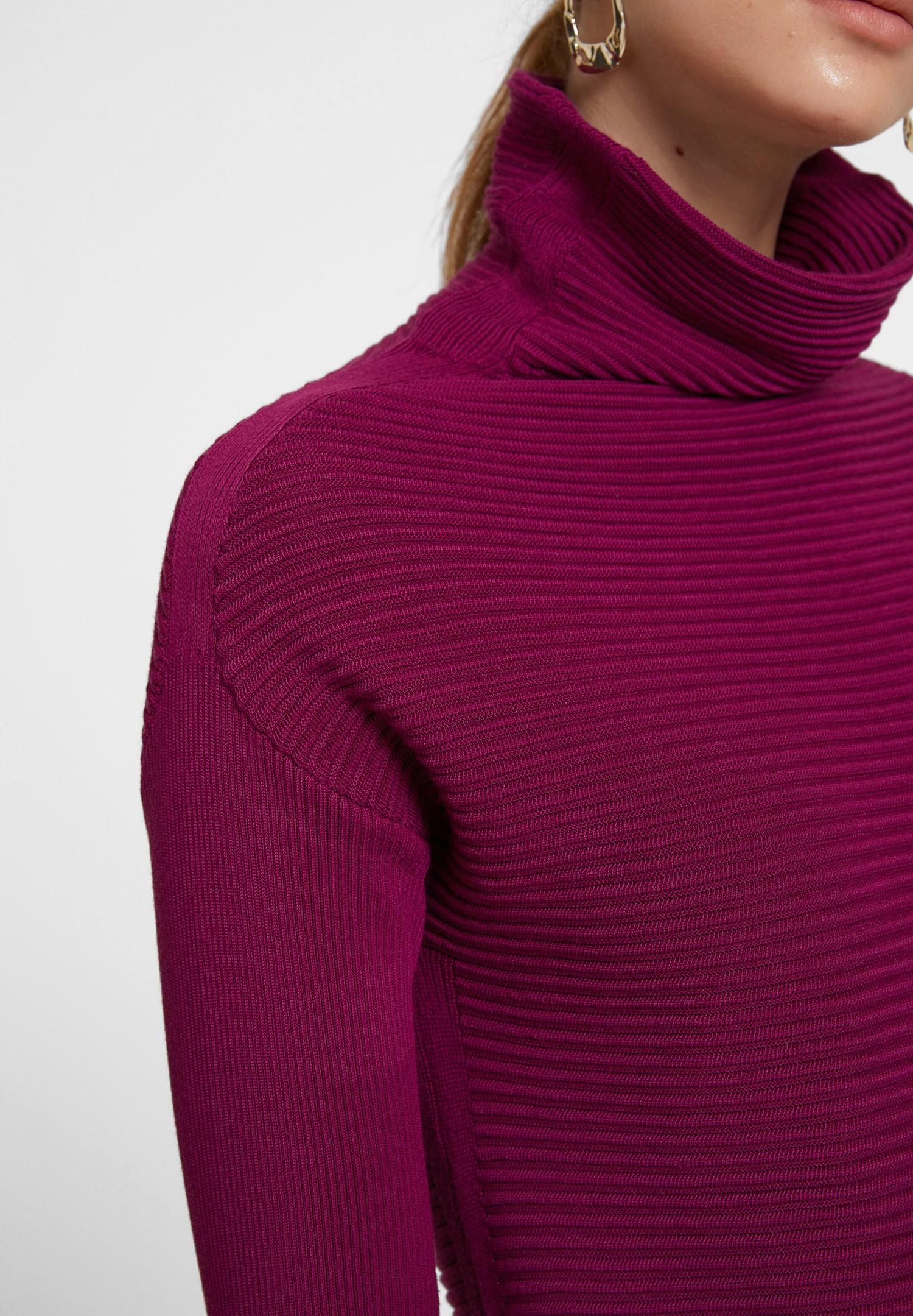 Bayan Mor Yaka Detaylı Triko Elbise