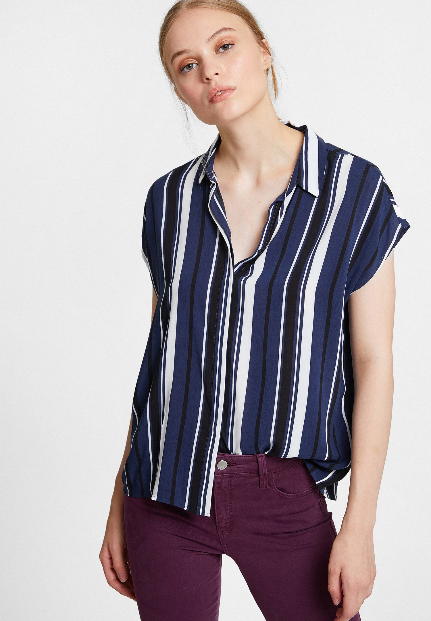 Women Mixed Shirt with Mix Pattern