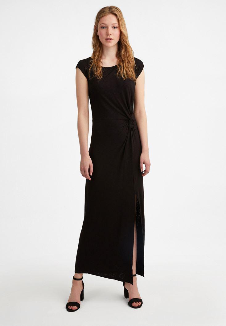 Siyah Yırtmaç Detaylı Uzun Elbise