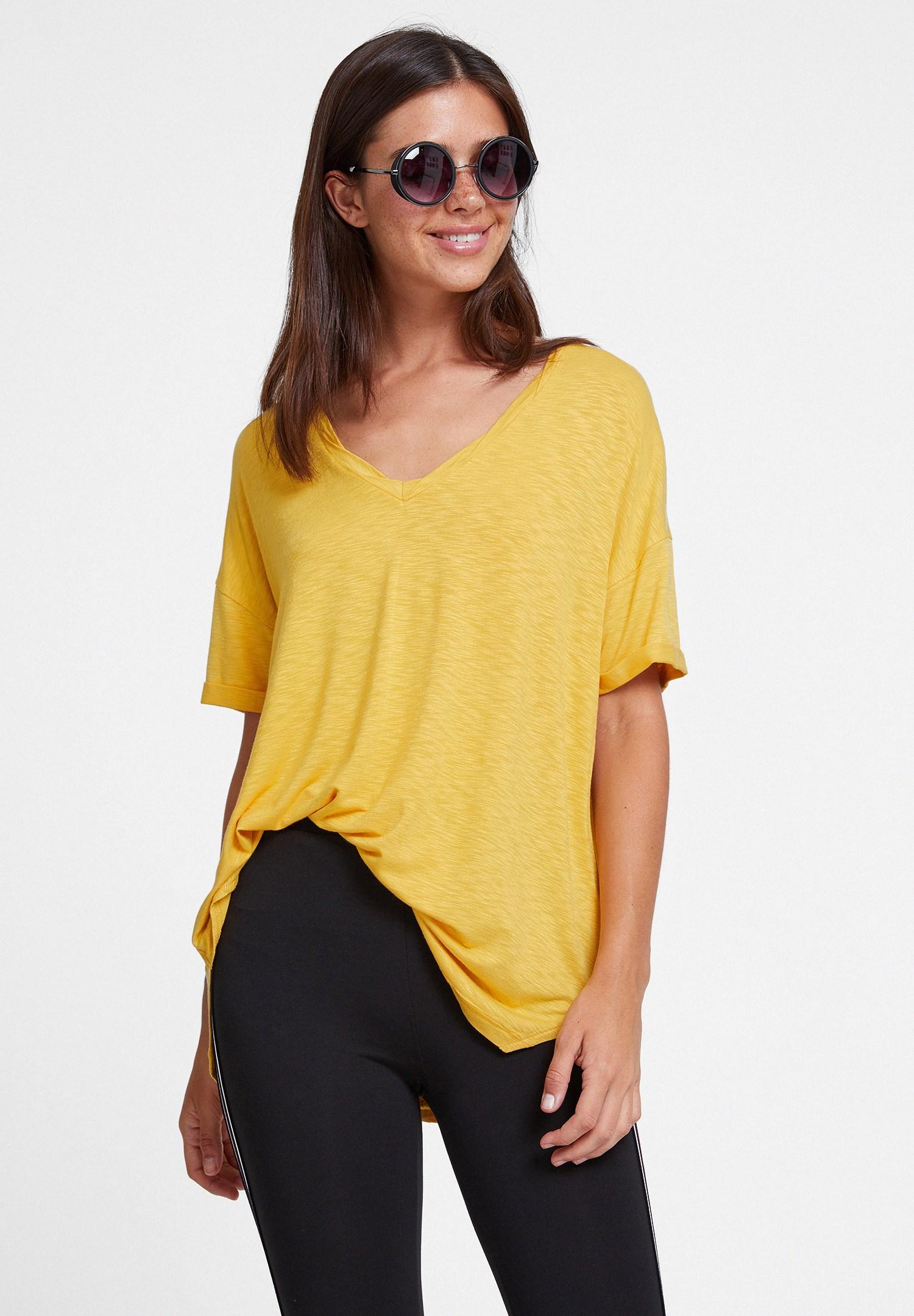 Bayan Sarı V Yaka Oversize Tişört