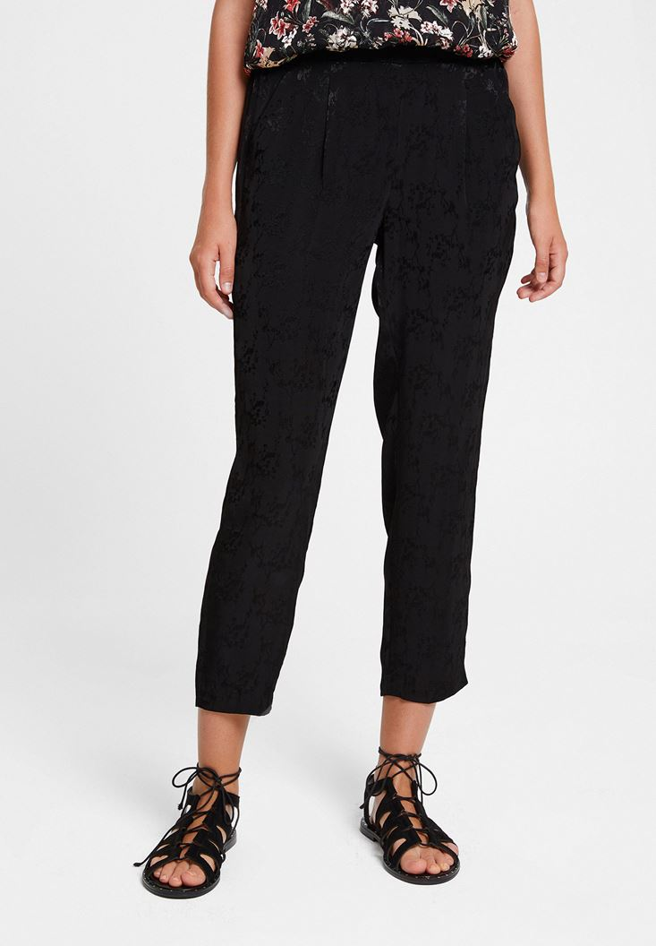 Siyah Jakarlı Cep Detaylı Pantolon