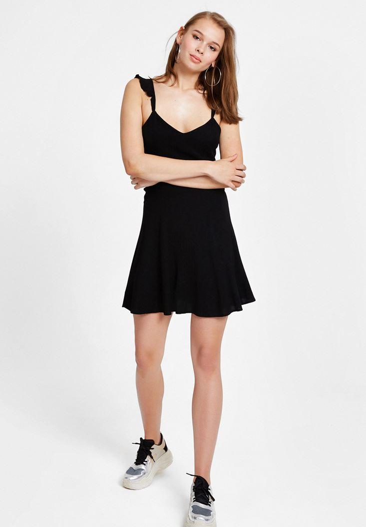 Siyah Sırtı Çapraz Askılı Mini Elbise