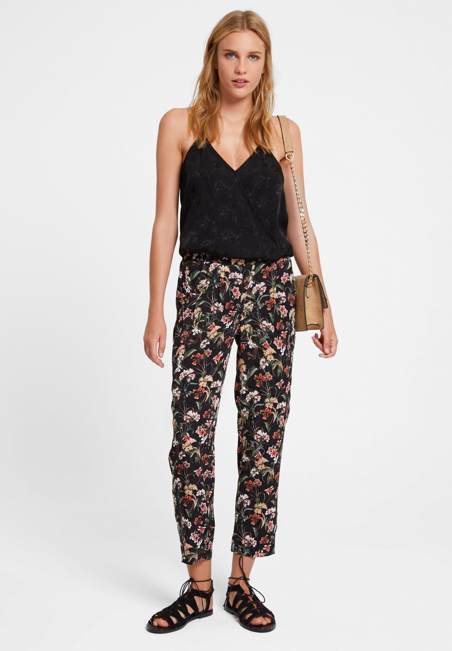 Women Mixed Mid Rise Pants with Flower Pattern