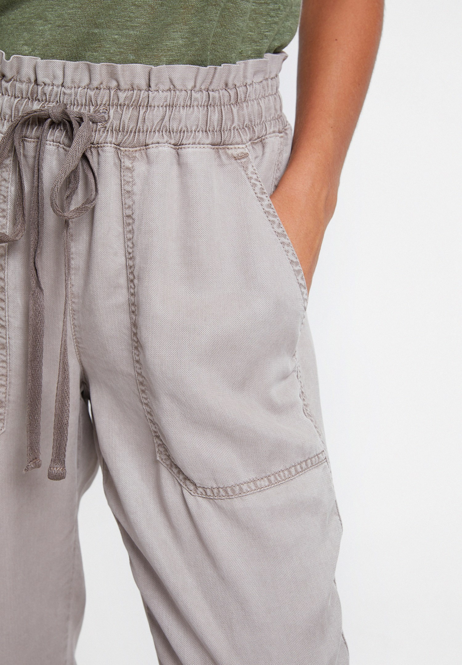 Women Brown Jogger with Details