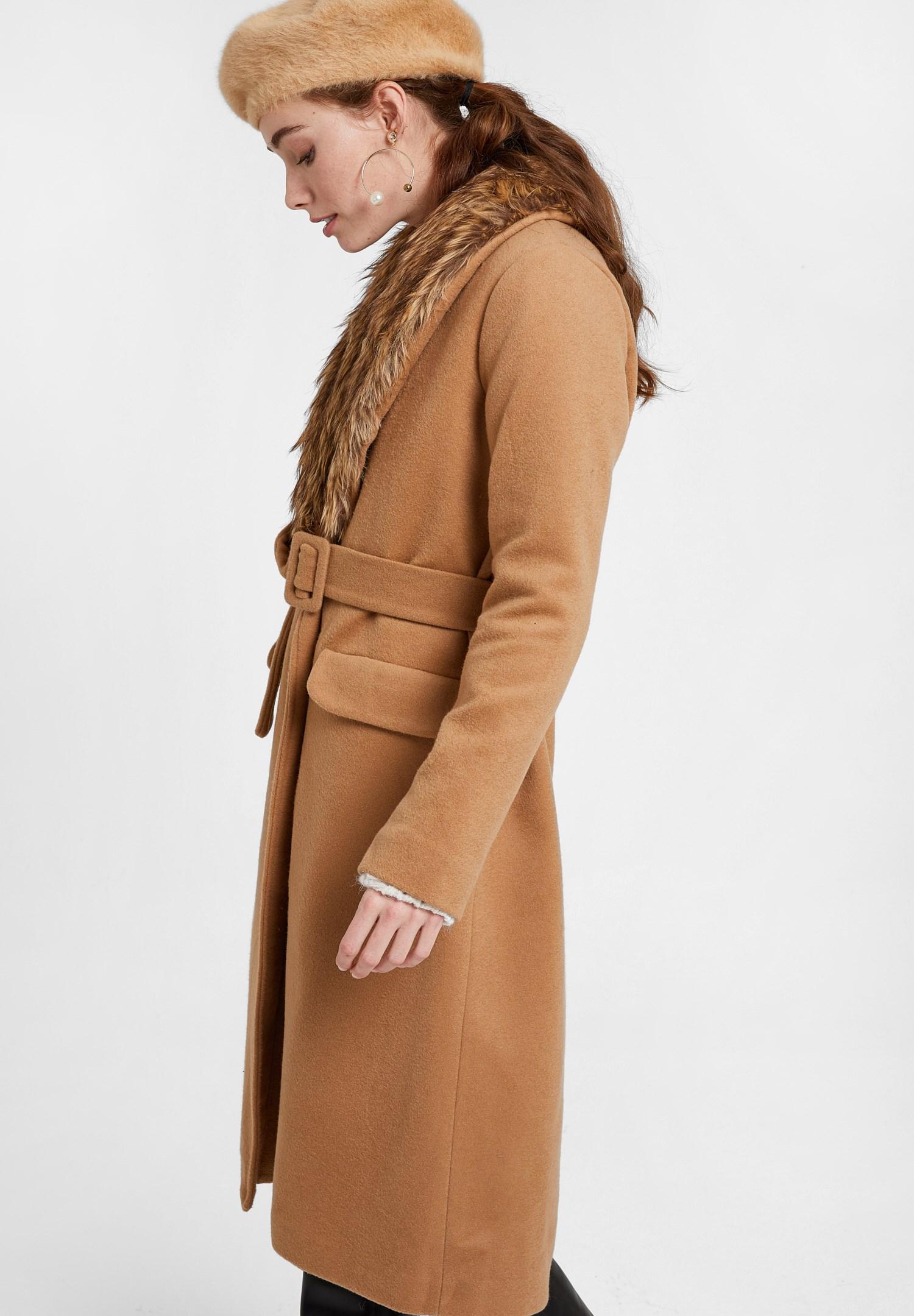 Bayan Kahverengi Kürk Yakalı Kemerli Uzun Kaban