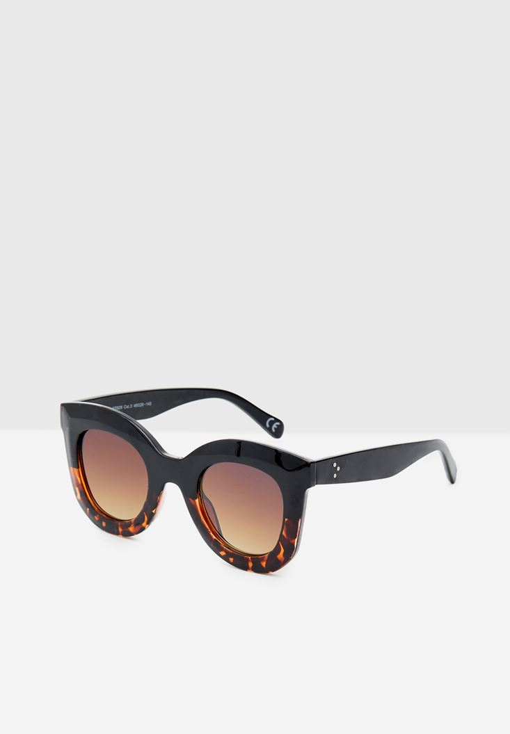 Round Sunglasses with Detailed