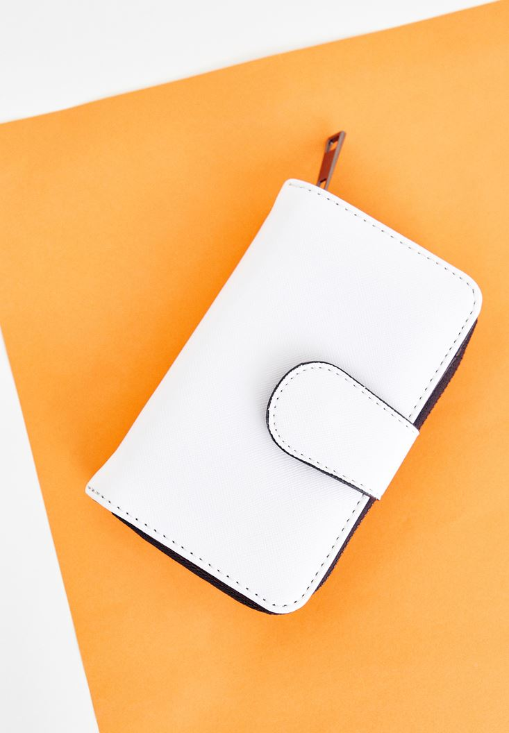 White Wallet with Zip