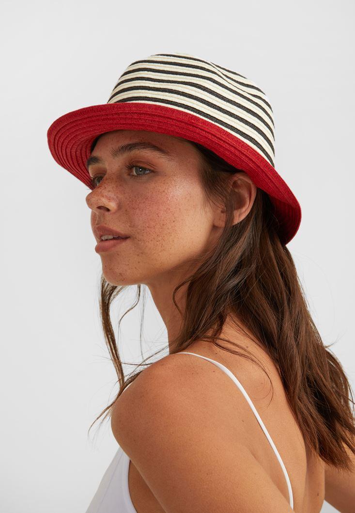 Çok Renkli Şerit Detaylı Şapka