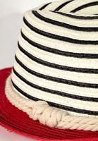 Bayan Çok Renkli Şerit Detaylı Şapka