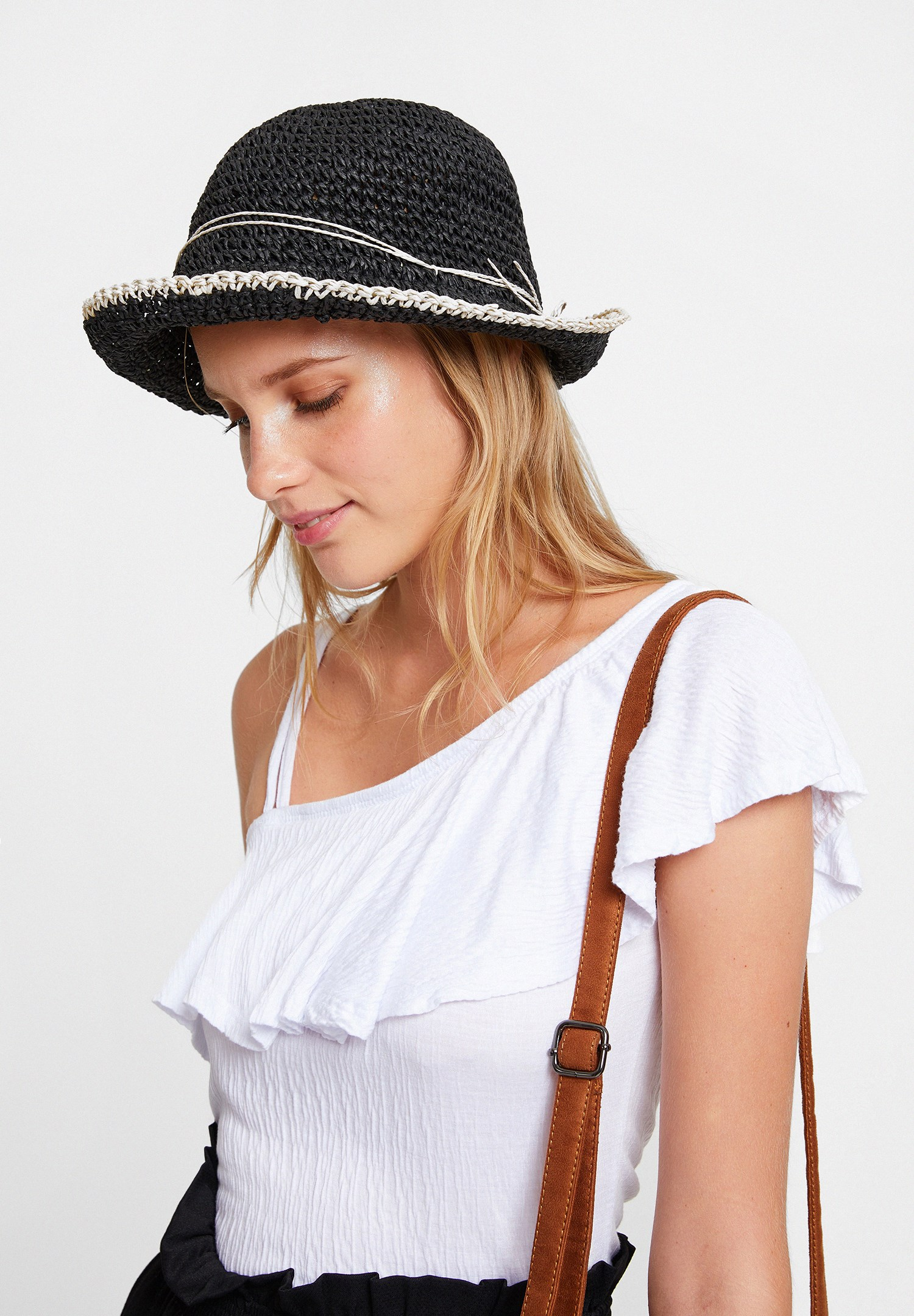 Bayan Siyah İp Bağlama Detaylı Hasır Şapka