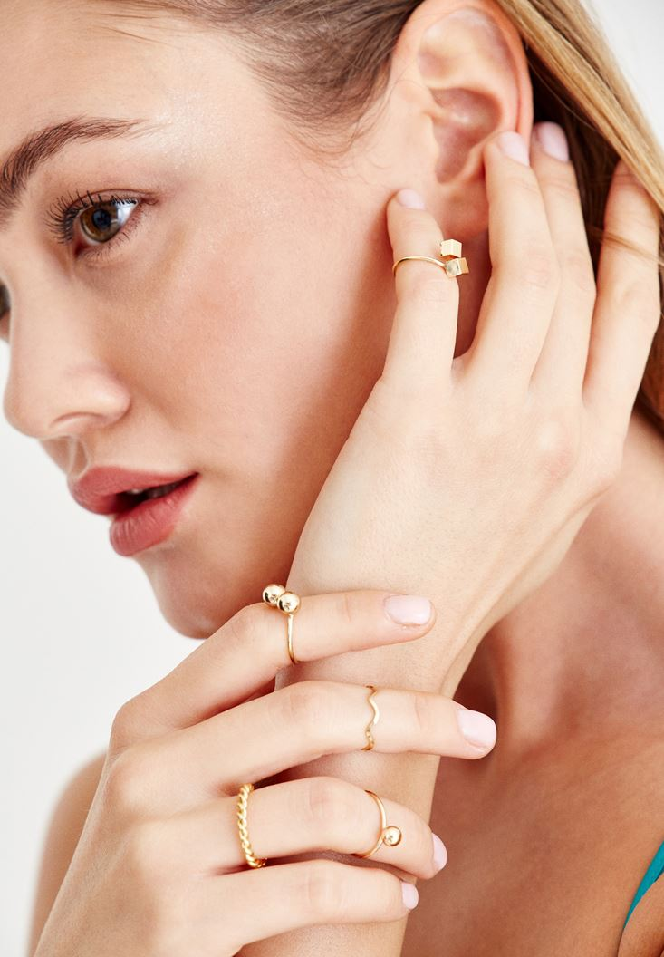 Mixed Gold Rings with Detail