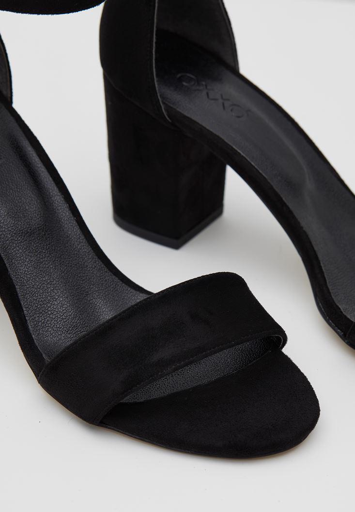 Bayan Siyah Şeritli Topuklu Ayakkabı
