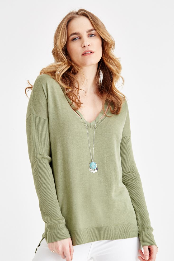 Green V Neck Knitwear with Back Detailed