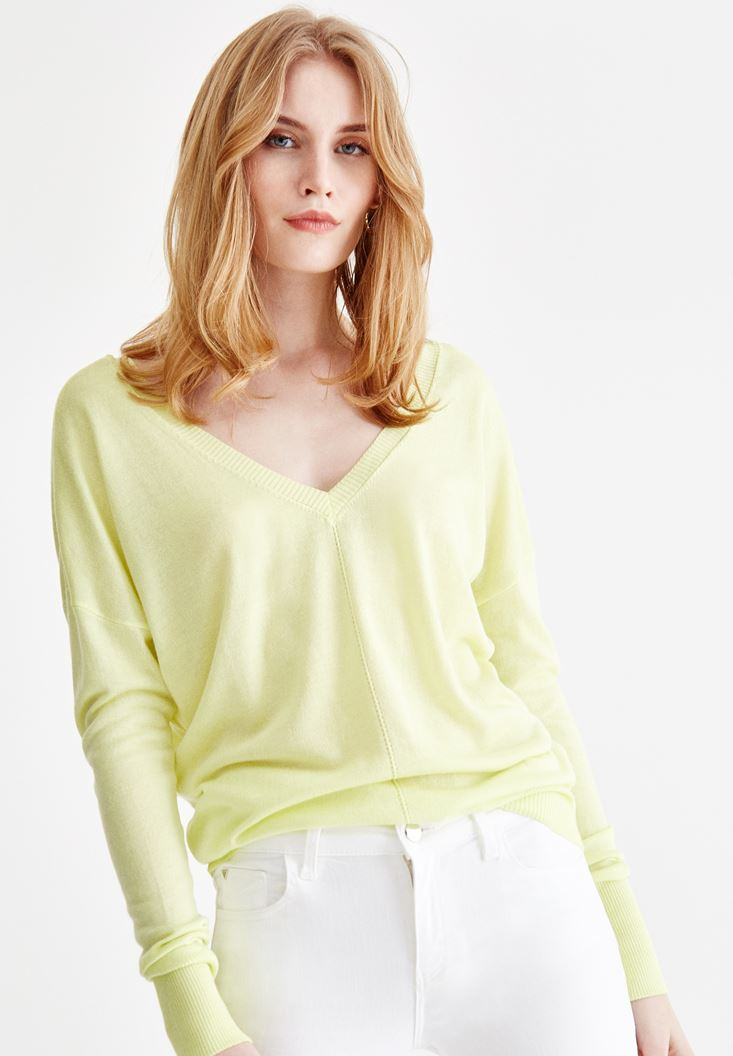 Yellow Long Sleeve Knitwear with Neck Details