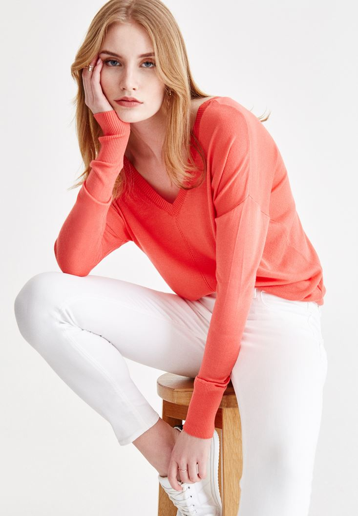Red Long Sleeve Knitwear with Neck Details