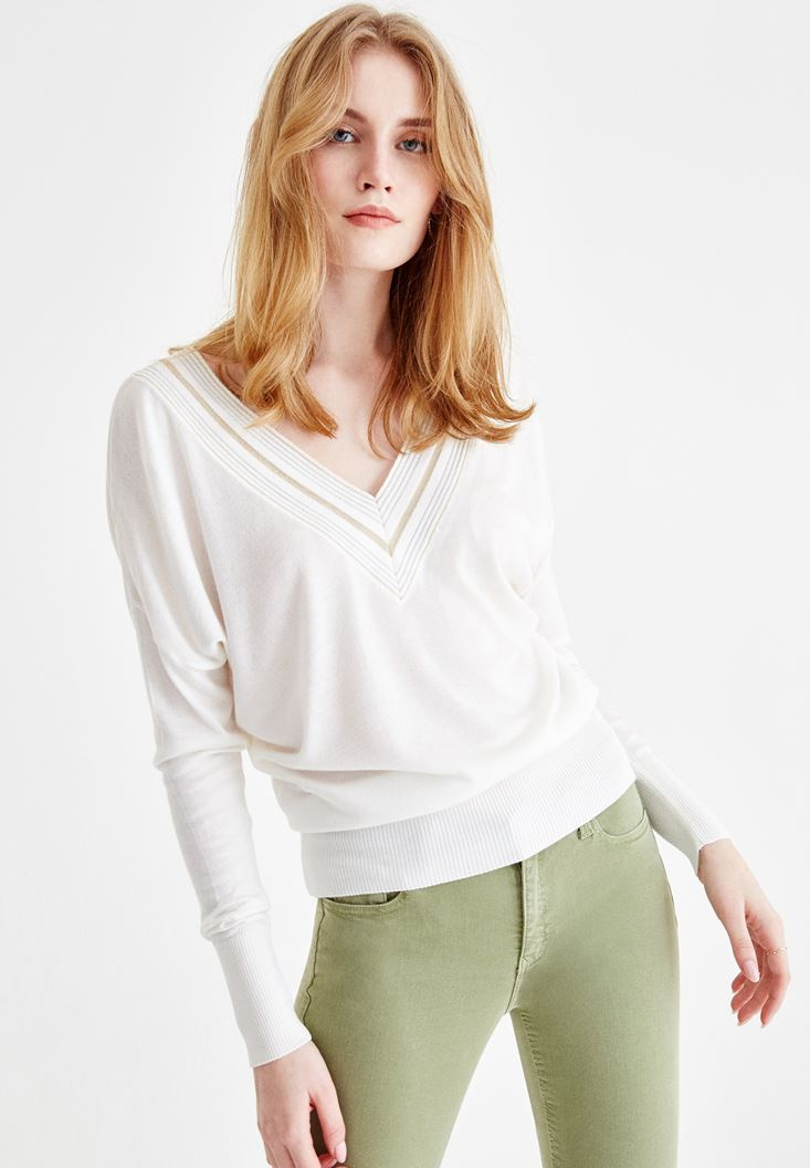 Cream Long Sleeve Knitwear with V Neck Details