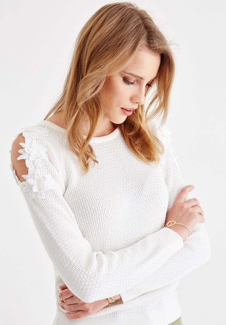 Cream Knitwear with Embroidery and Shoulder Details