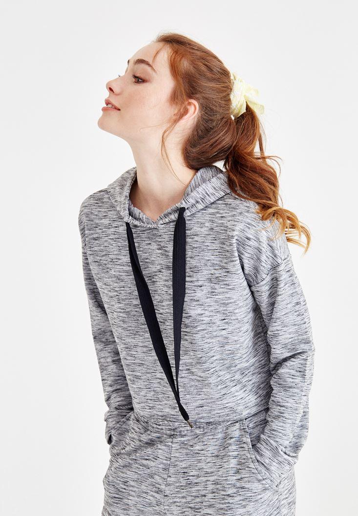 Bayan Gri Kapüşonlu Uzun Kollu Sweatshirt
