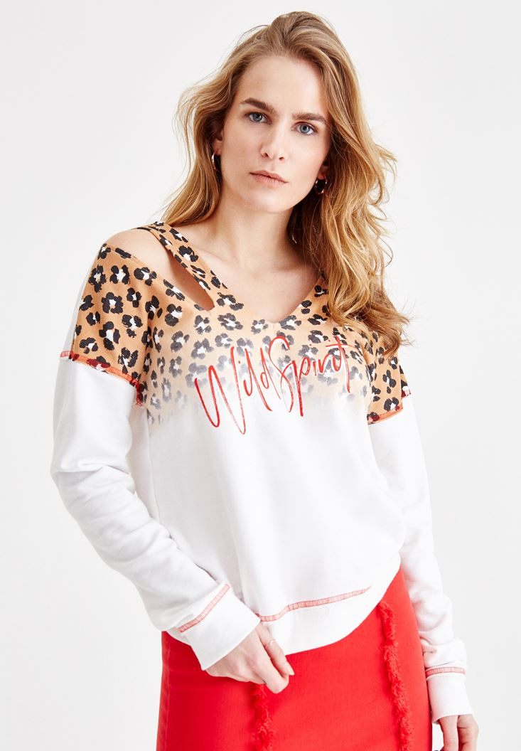 V Neck Sweatshirt with Leopard Pattern Details