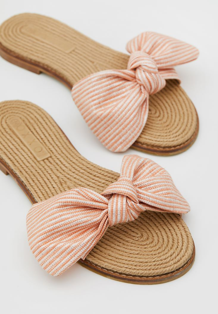 Slippers with Details