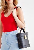 Bayan Siyah Dikiş Detaylı Askılı Kutu Çanta