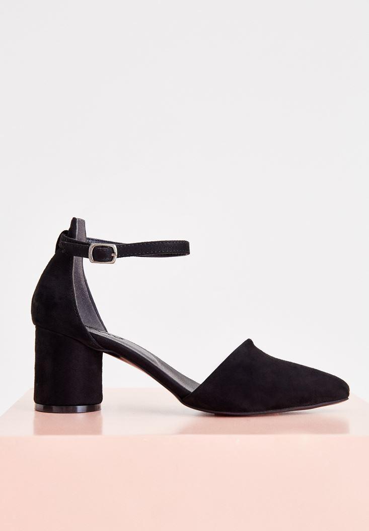 Toka Detaylı Yuvarlak Topuklu Ayakkabı