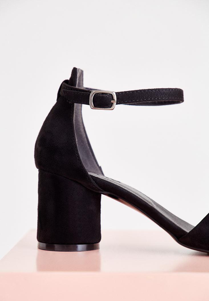 Bayan Siyah Toka Detaylı Yuvarlak Topuklu Ayakkabı