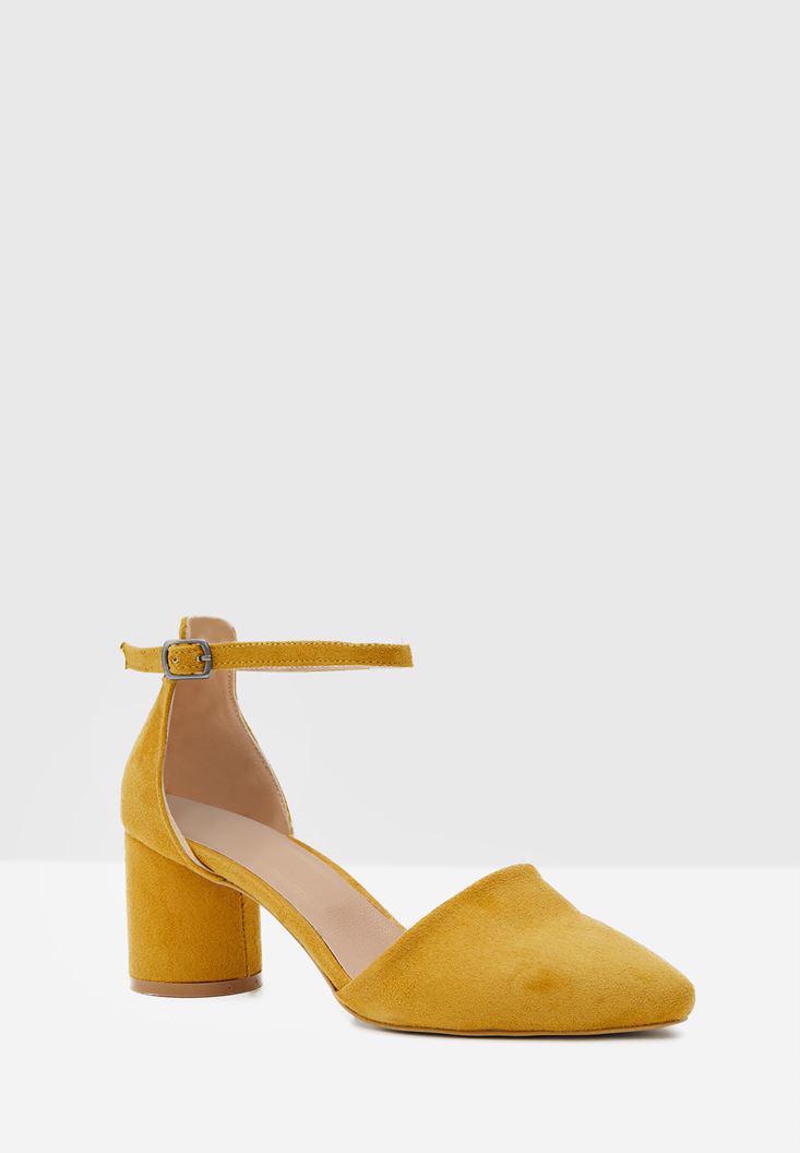 Bayan Sarı Toka Detaylı Yuvarlak Topuklu Ayakkabı