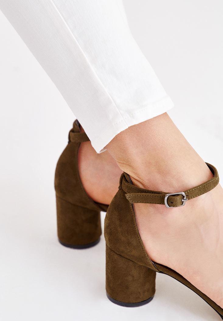 Bayan Yeşil Toka Detaylı Yuvarlak Topuklu Ayakkabı