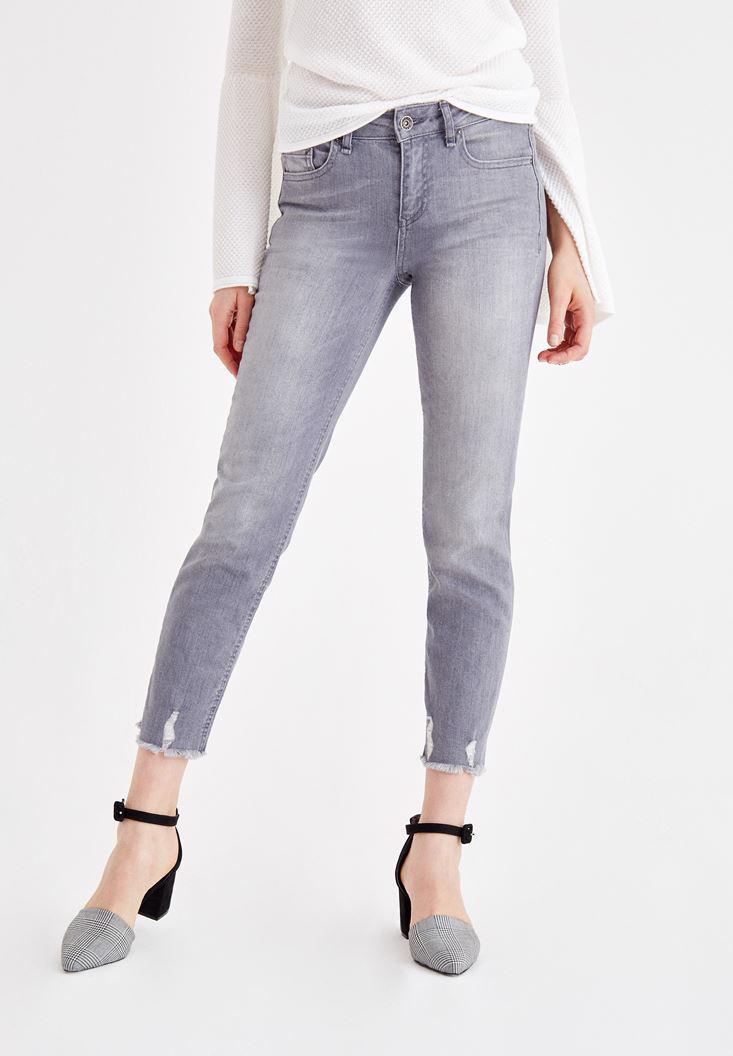 Women Grey Mid Rise Cigarette Jean