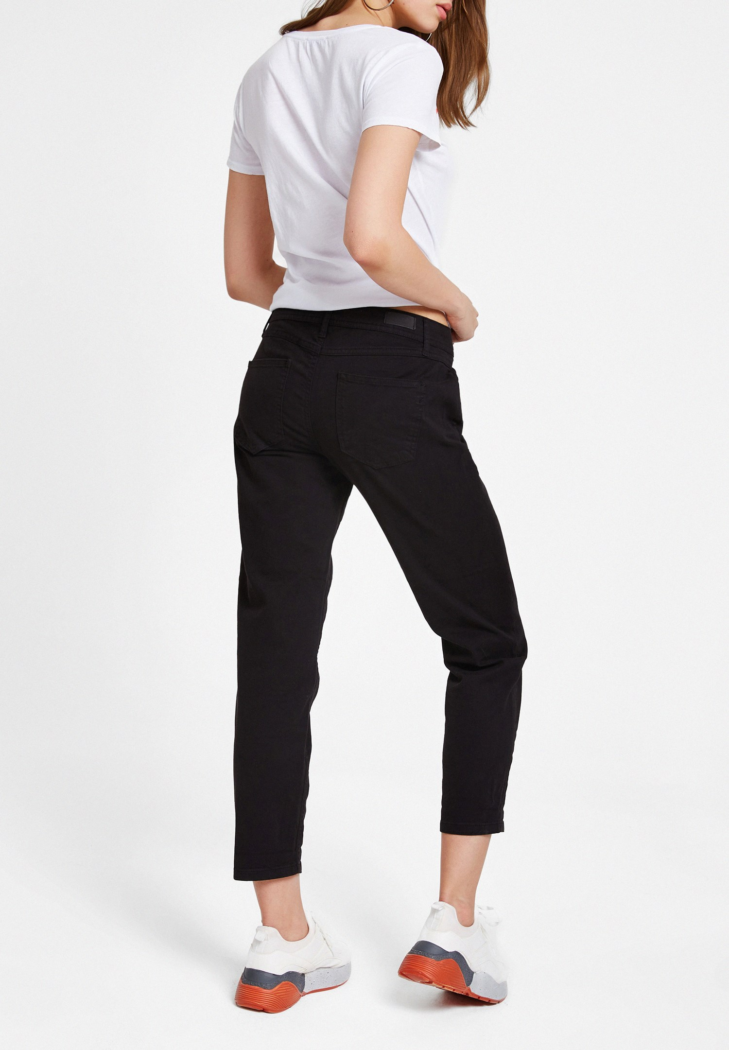 Women Black Low Rise Slim Boyfriend Pants