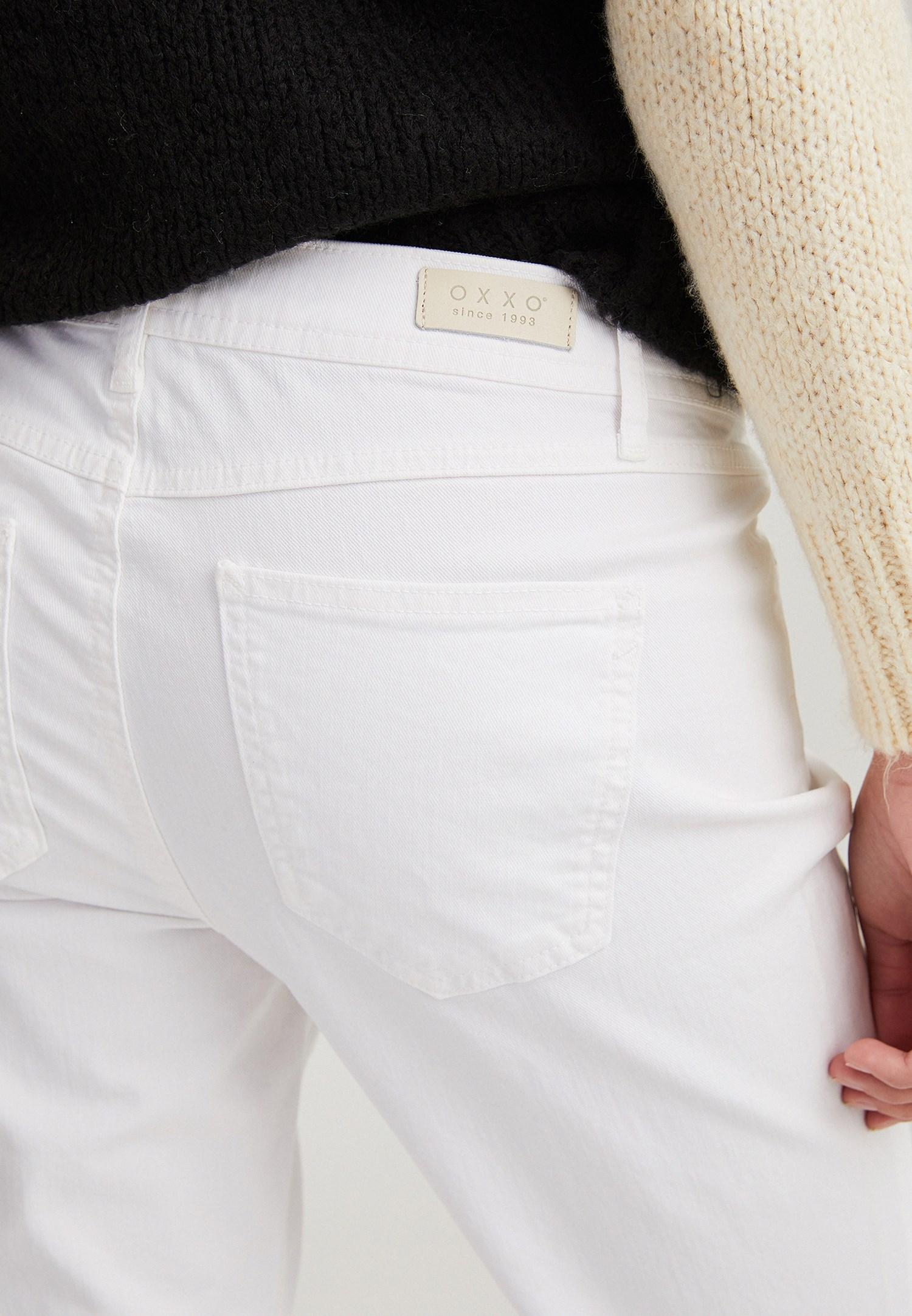 Women White Low Rise Slim Boyfriend Pants