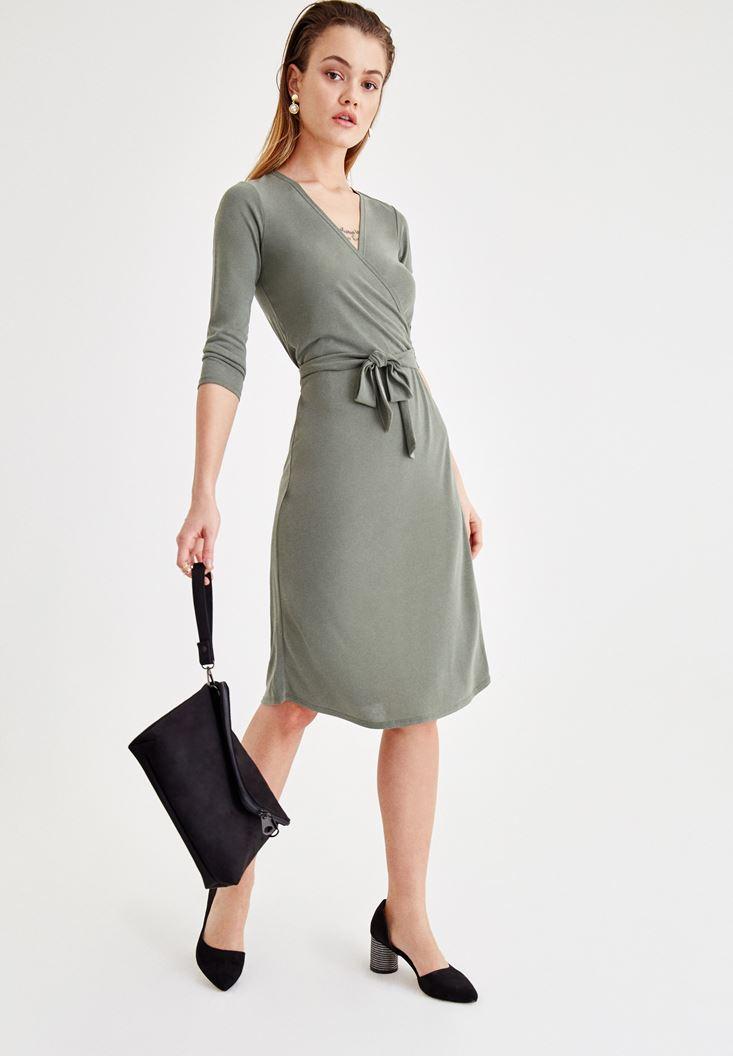 Yeşil Yumuşak Dokulu Beli Bağlamalı Elbise
