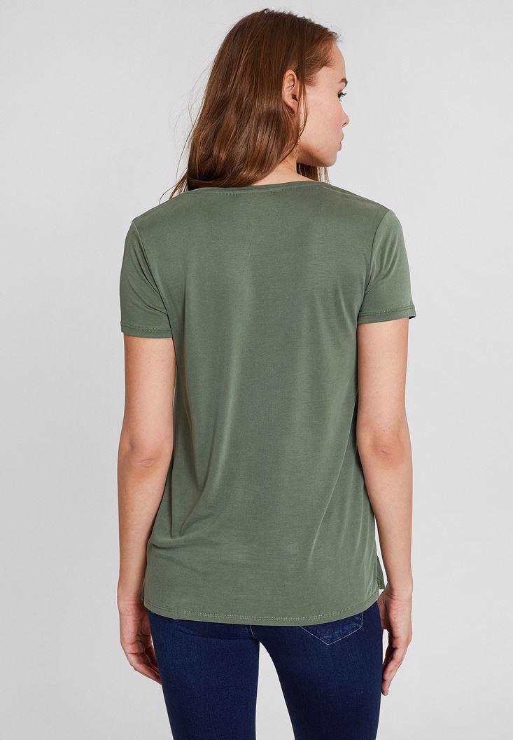 Bayan Yeşil Yumuşak Dokulu V Yaka Basic Tişört