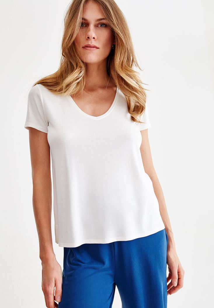 Cream V Neck Basic T-shirt