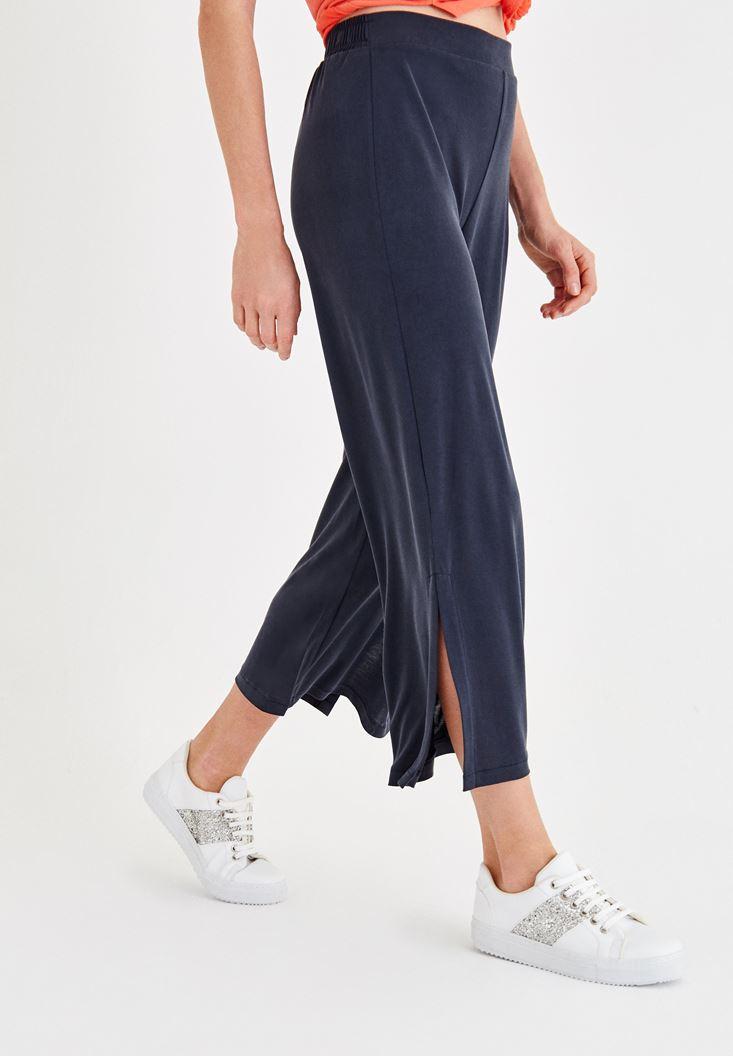 Siyah Yumuşak Dokulu Yırtmaç Detaylı Pantolon