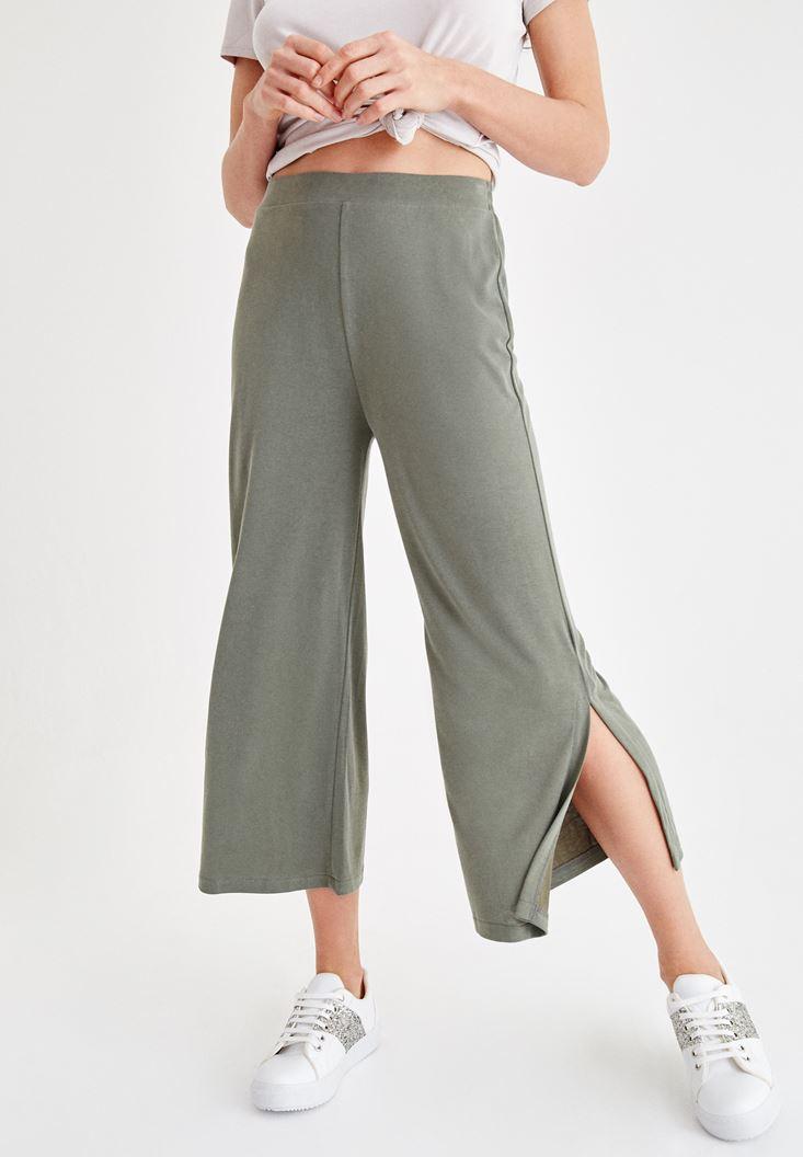 Yeşil Yumuşak Dokulu Yırtmaç Detaylı Pantolon